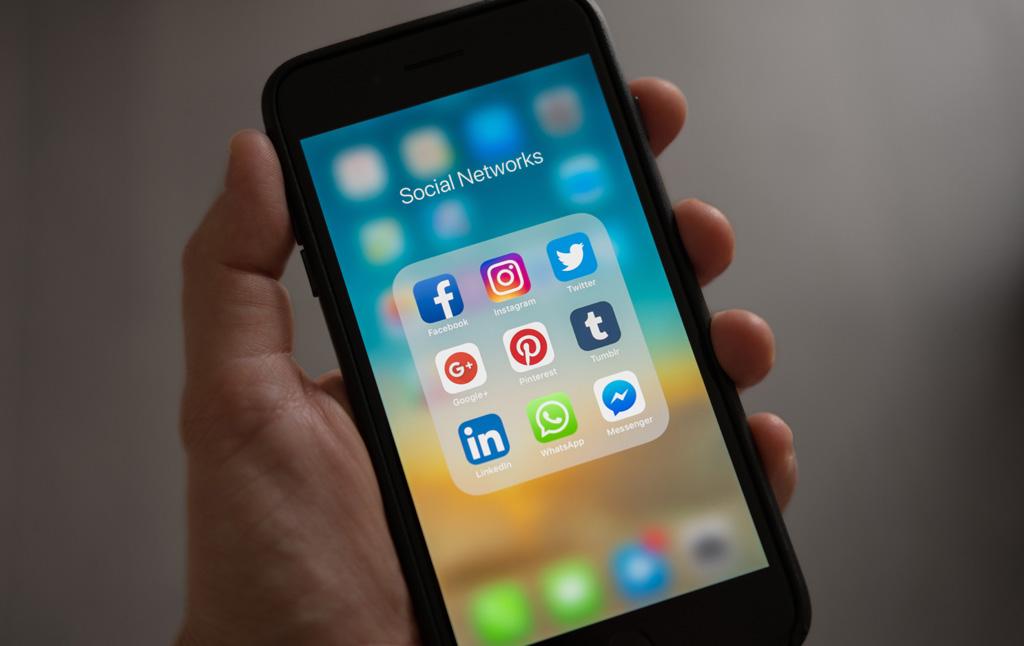 THE IMPORTANCE OF SOCIAL MEDIA FOR SEO   Web Rocket Media   Long Island, NY SEO